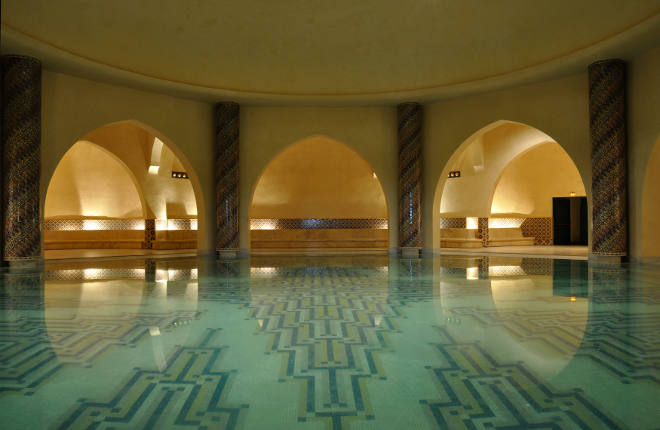 Inside of a traditional Hammam in Morocco, Africa - Depositphotos_6388742_xl-2015